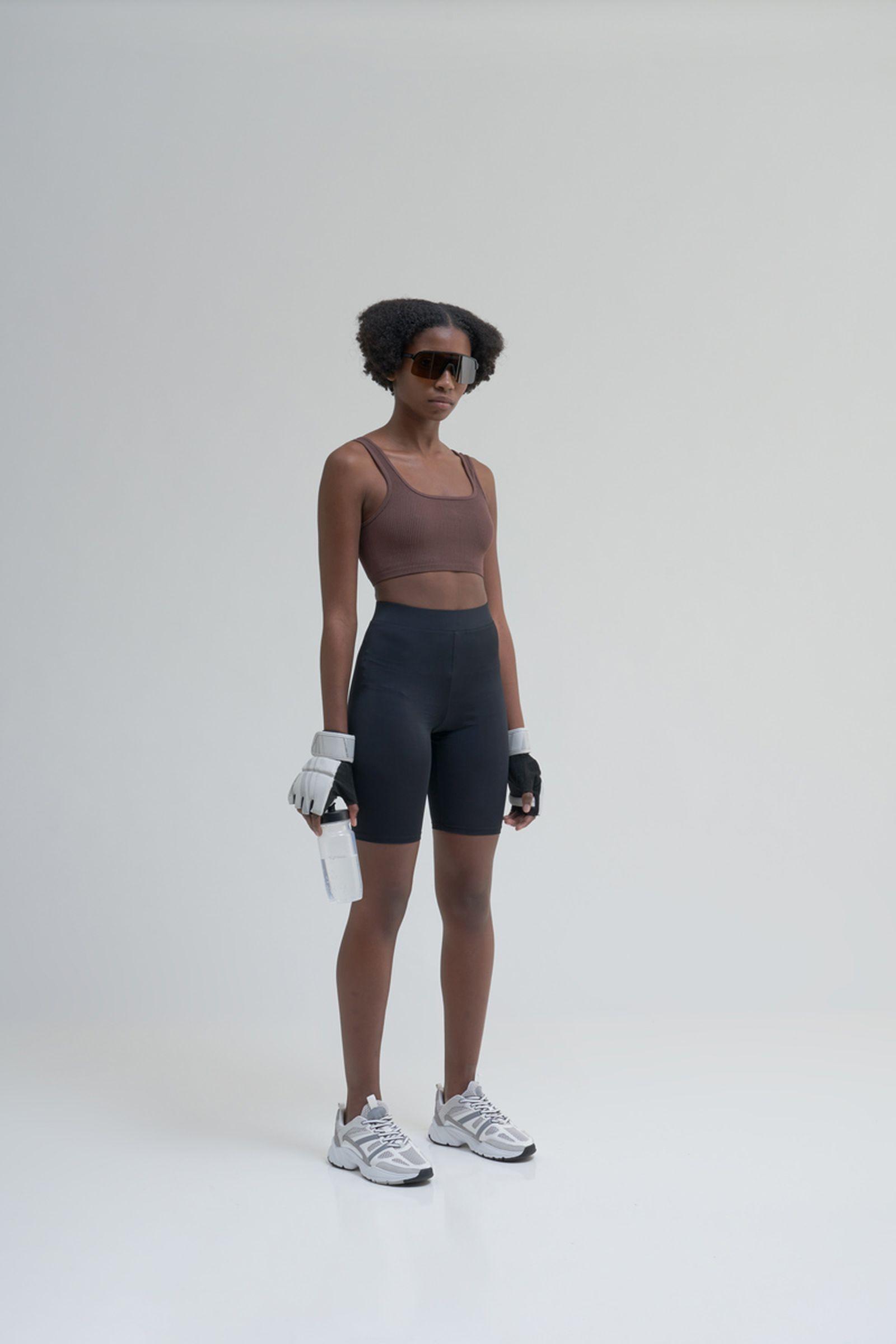 highsnobiety-oakley-sutro-lite-sunglasses-buy-2