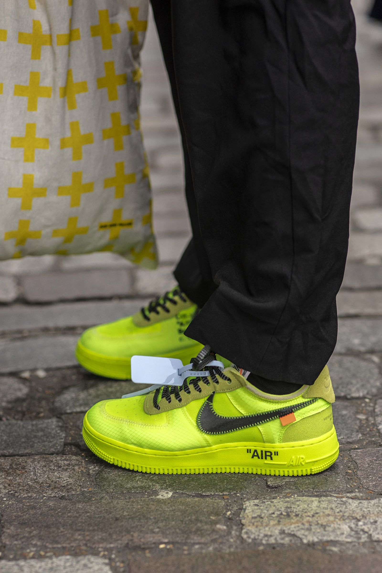 MFW19 London StreetStyle Sneakers AsiaTypek 08 lfwm