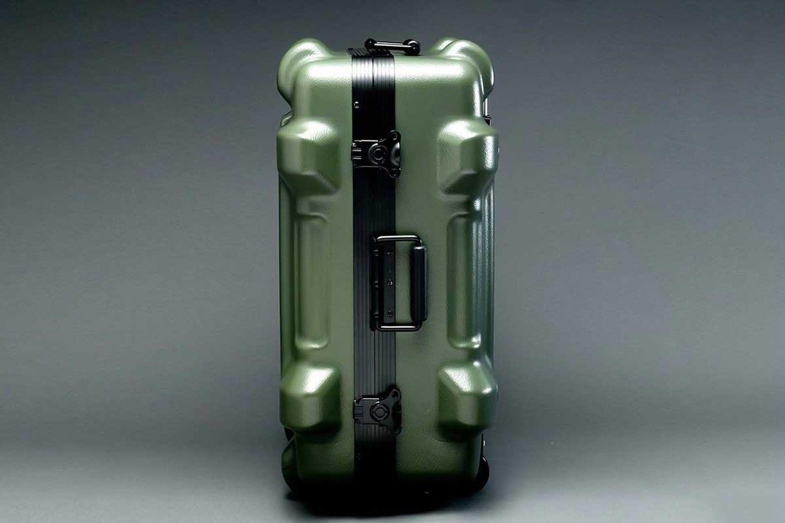 gundam-suitcase