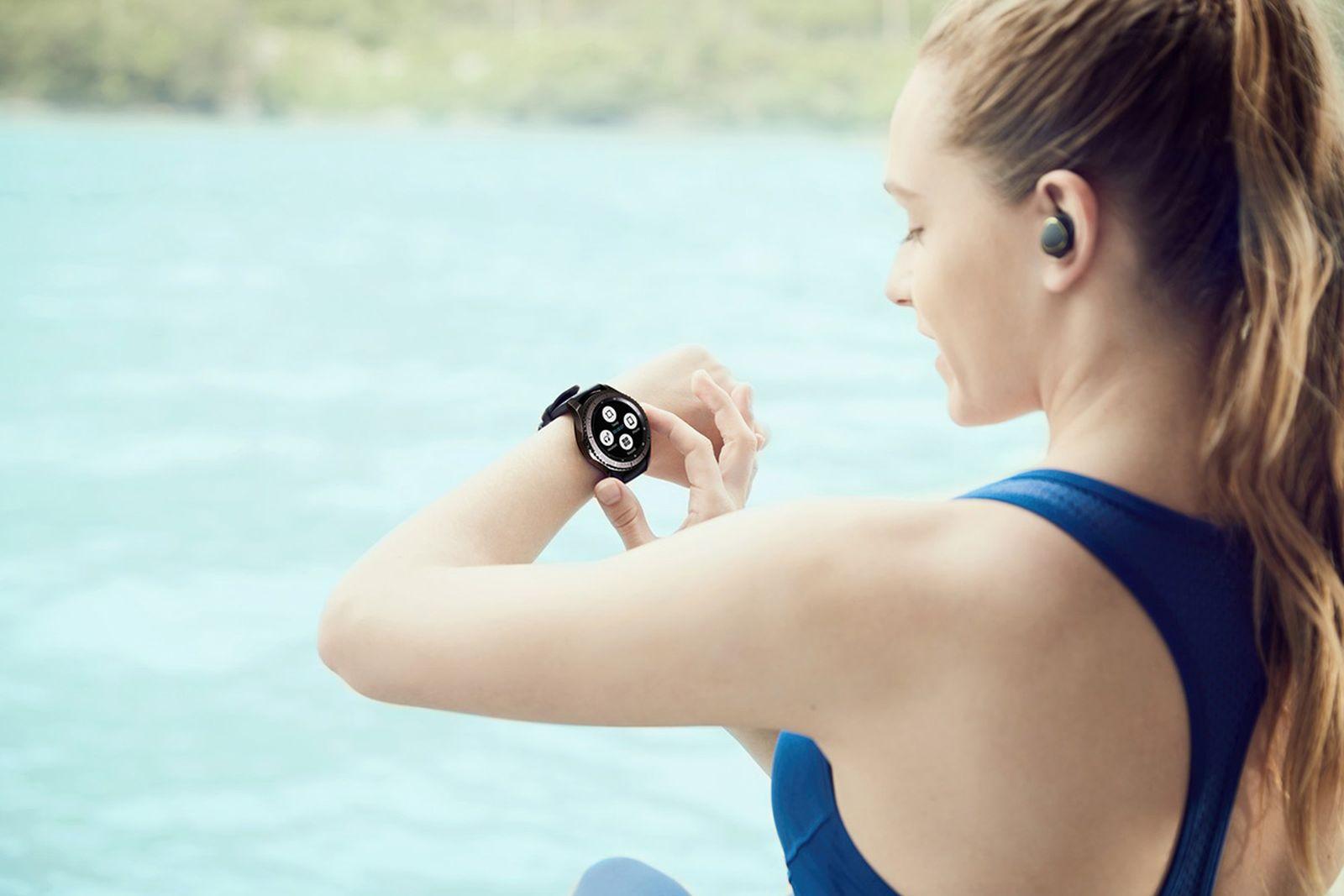 samsung-gear-s3-smartwatch-03