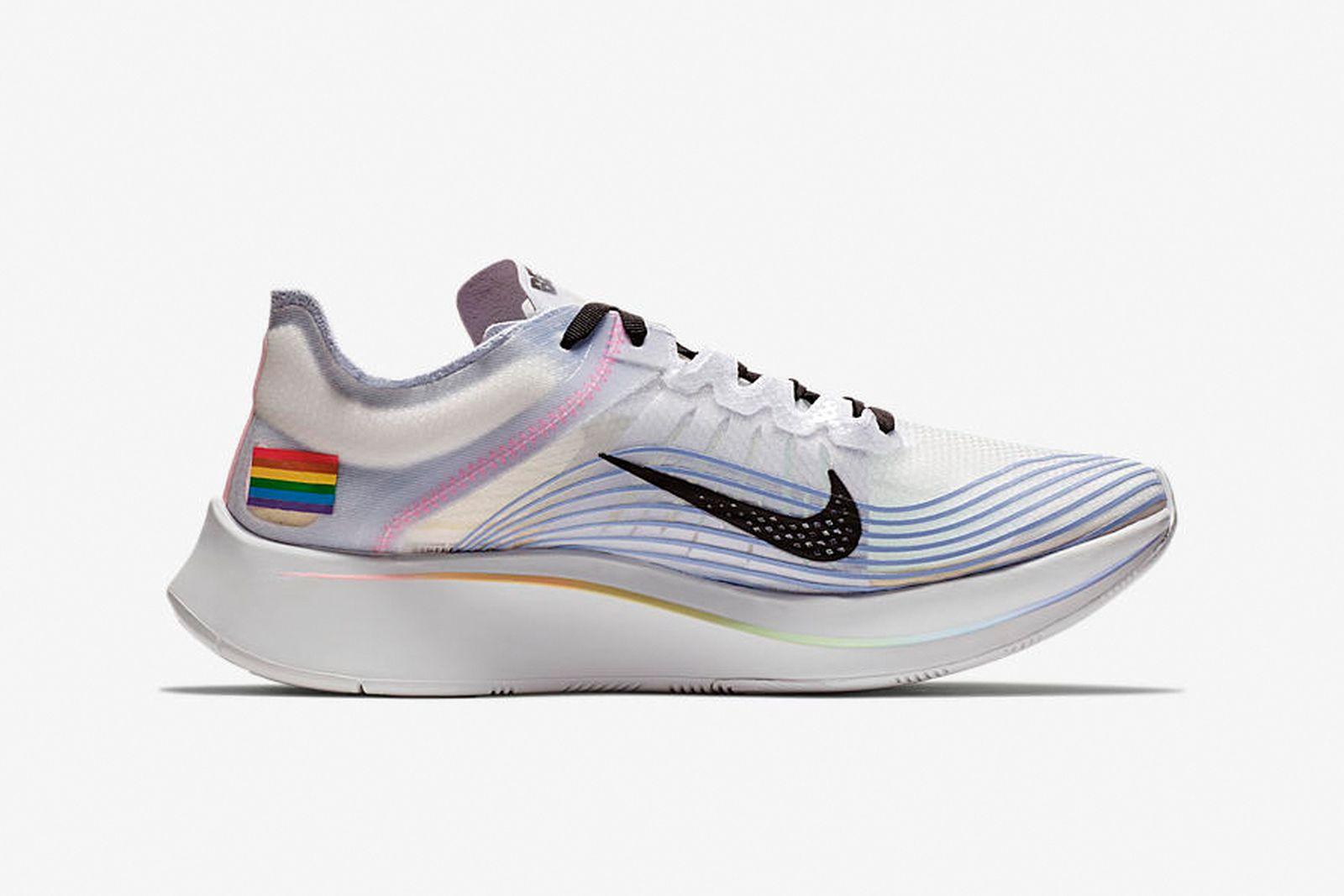 pride main Adidas Converse LGBT