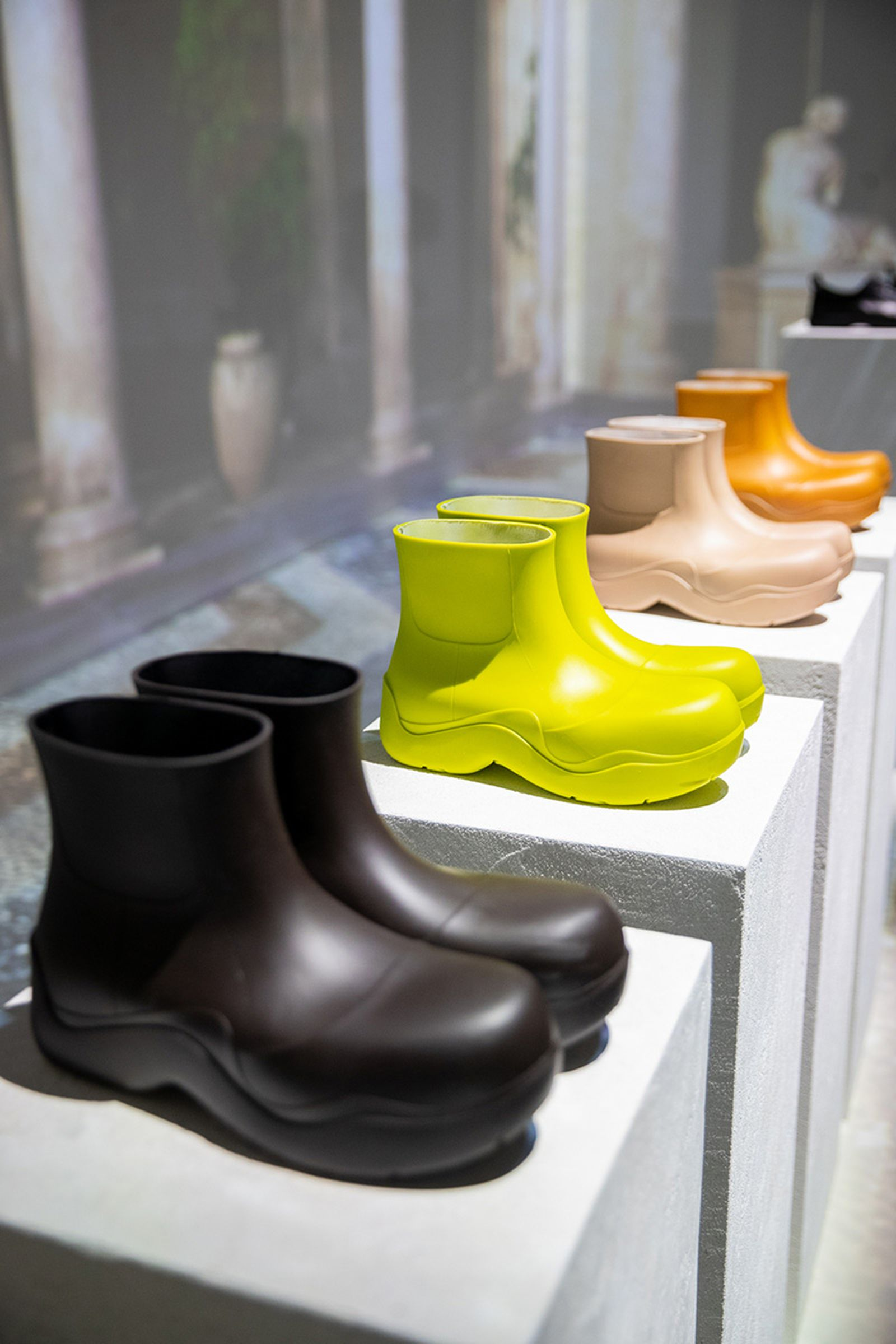 bottega-veneta-biodegradable-boot-mfw-02