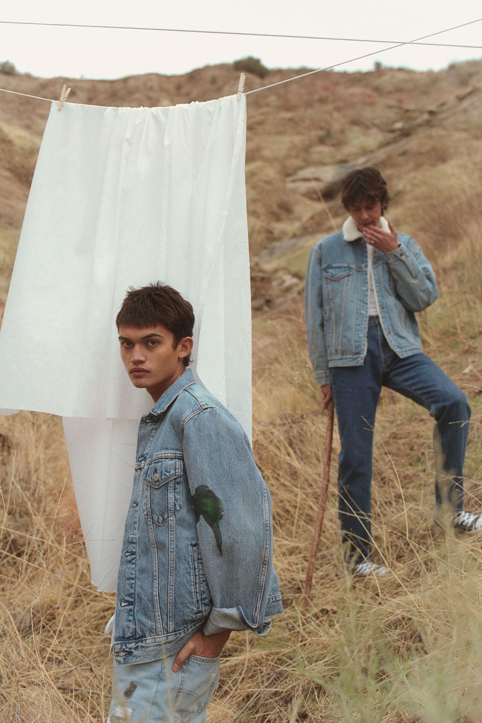 Left: 551™ Z Authentic Straight Jeans in Phantom Right: 551™ Z Authentic Straight Jeans in Rubber Worm