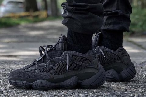 "63bdca75 Here's How Instagram is Rocking the ""Utility Black"" YEEZY 500 Desert Rats"