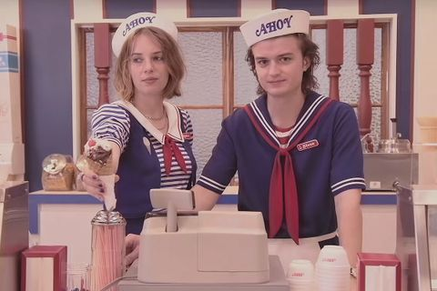 stranger things season 3 starcourt mall things you might have missed