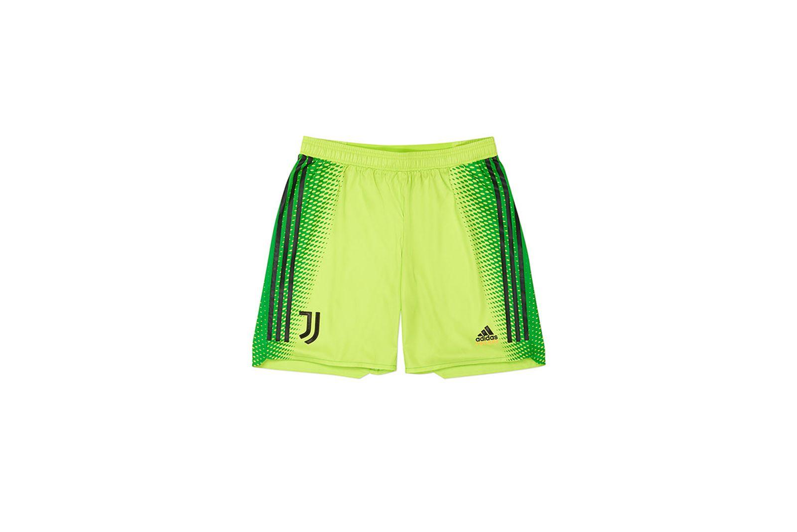 Palace-2019-Adidas-Juventus-Short-Training-green-19617