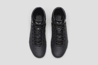 """best sneakers 47ce1 3ef1a 2 more. Previous Next. Just days before Christmas, Nike has officially  unveiled the highly anticipated Kobe 9 KRM EXT """"Black Mamba."""