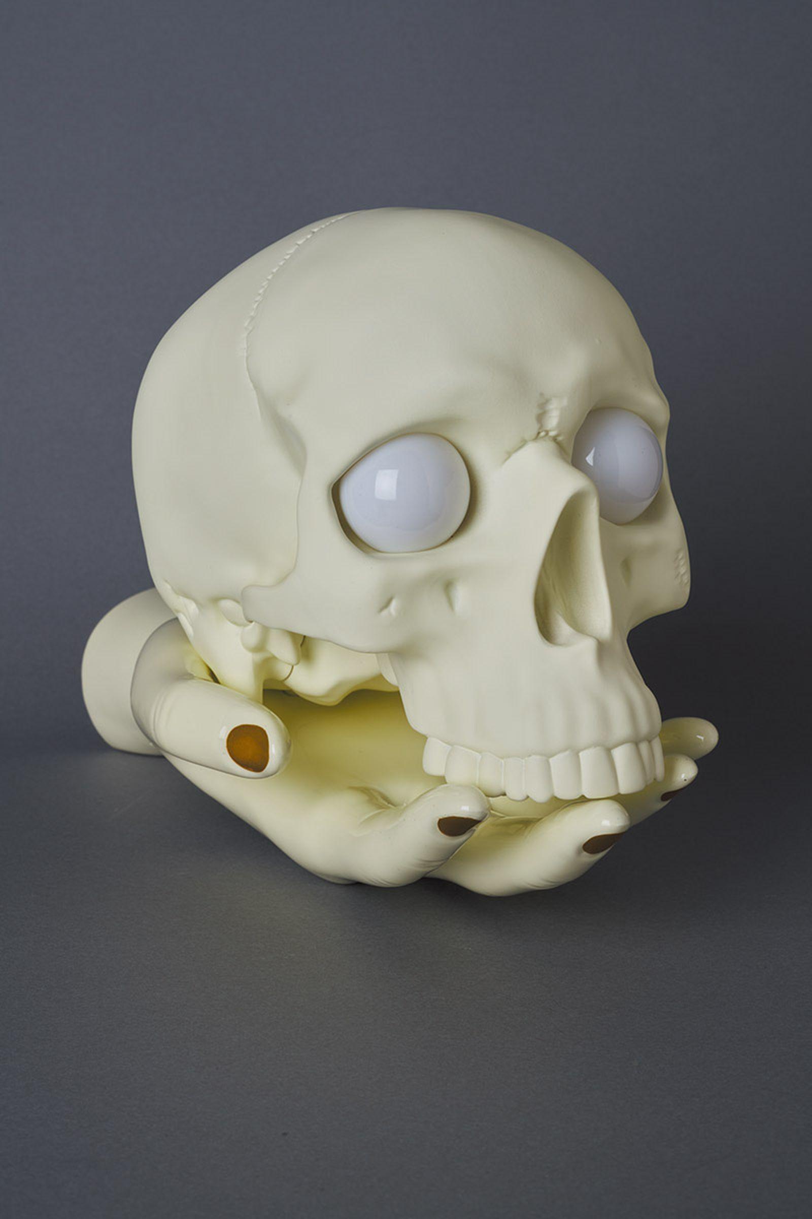 undercover-p-m-usher-spooky-season-skull-lamp-05