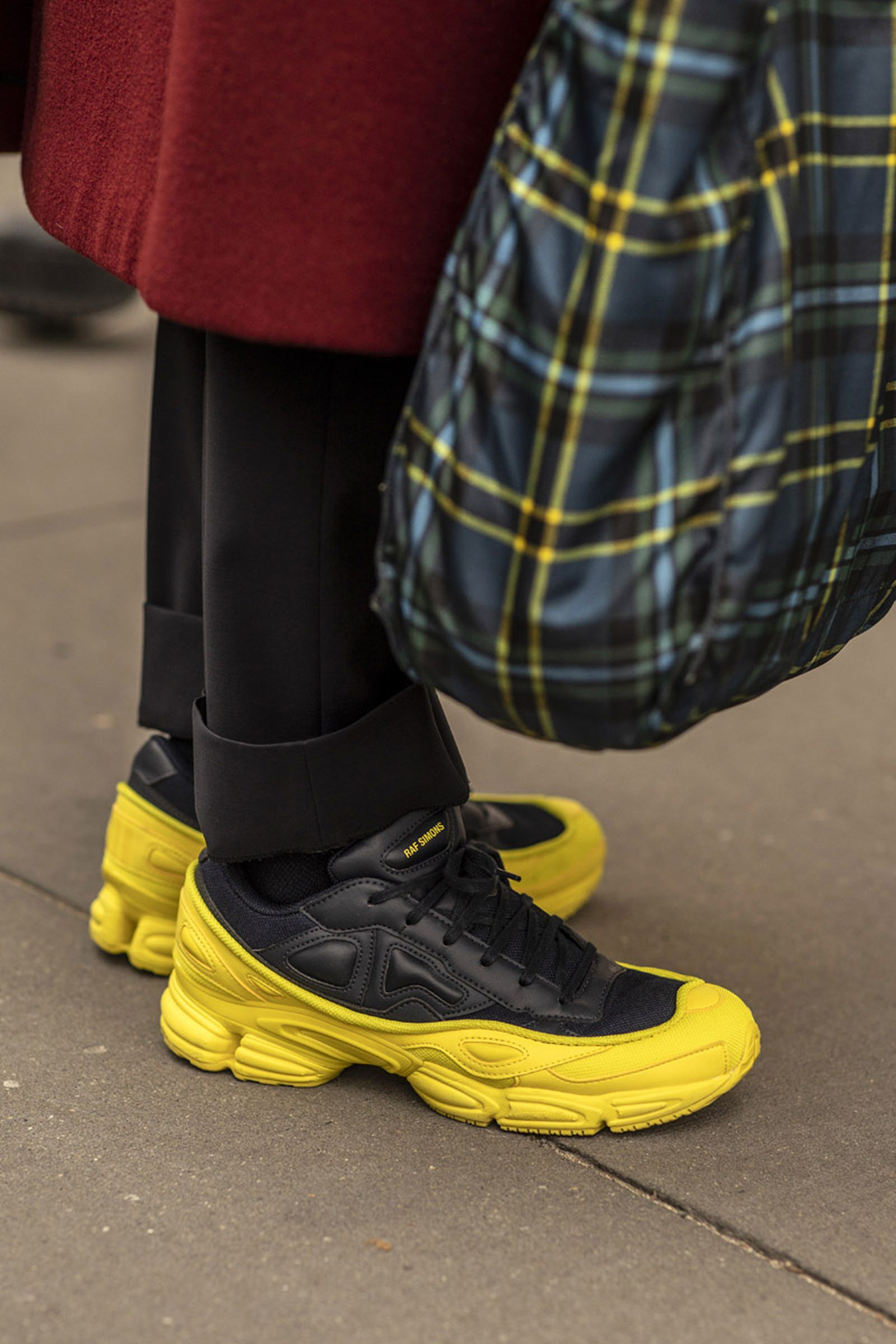 new york fashion week fw19 sneaker street style Balenciaga salomon