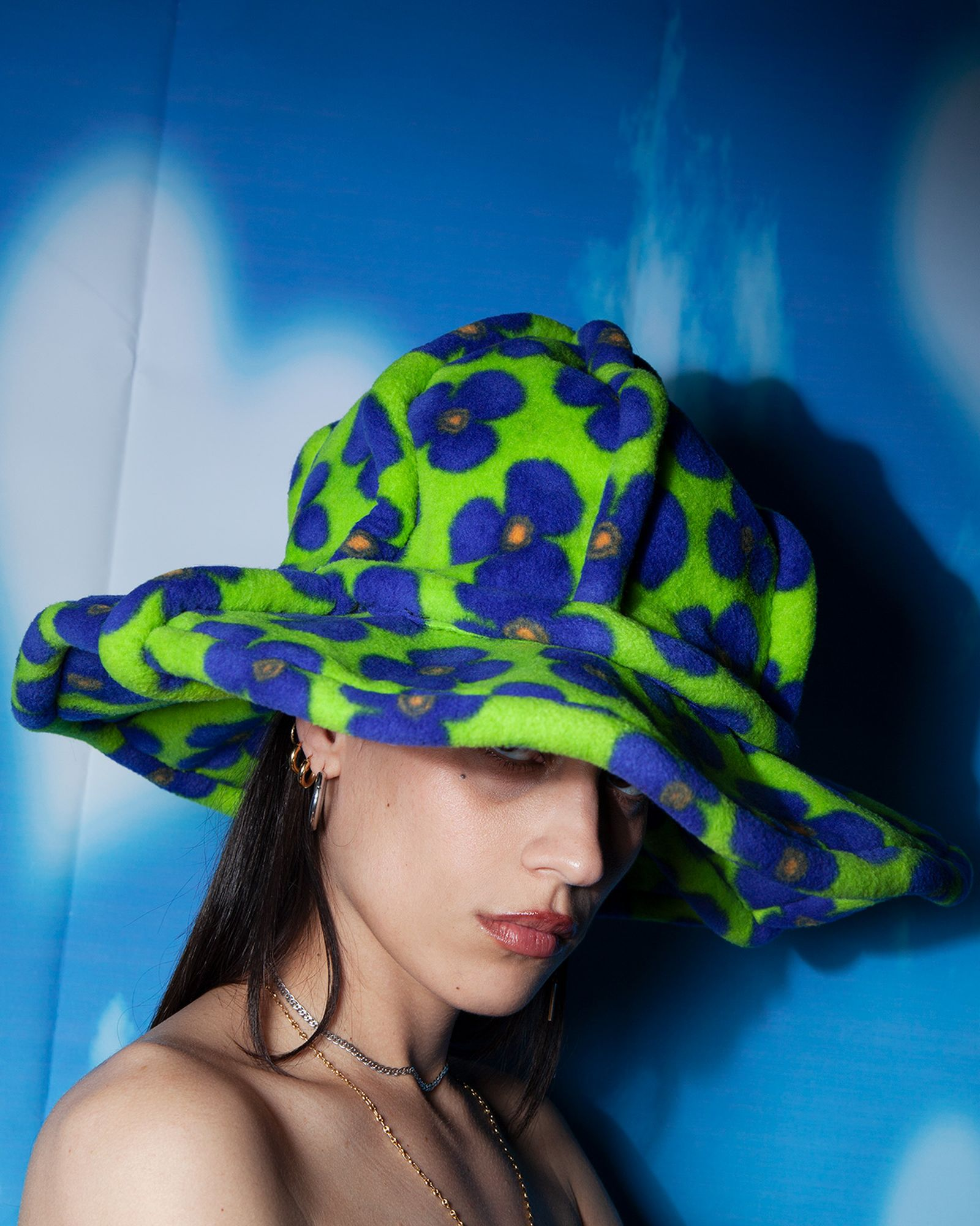 Hat BENNY ANDALLO, All jewellery Chloe's own