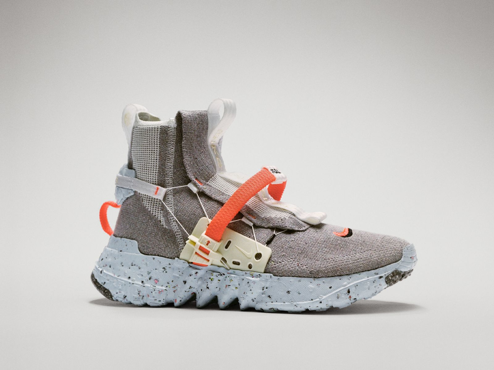 NIKE SPACE HIPPIE 3