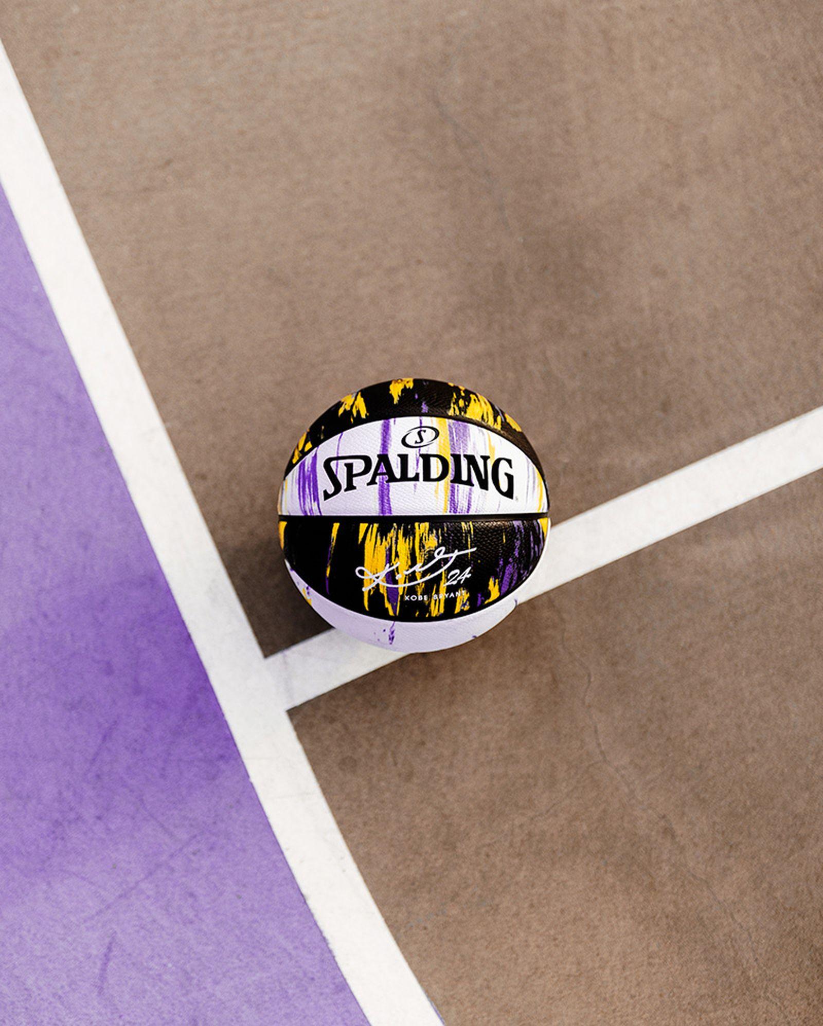 spalding-kobe-bryant-marbled-snake-basketball-01