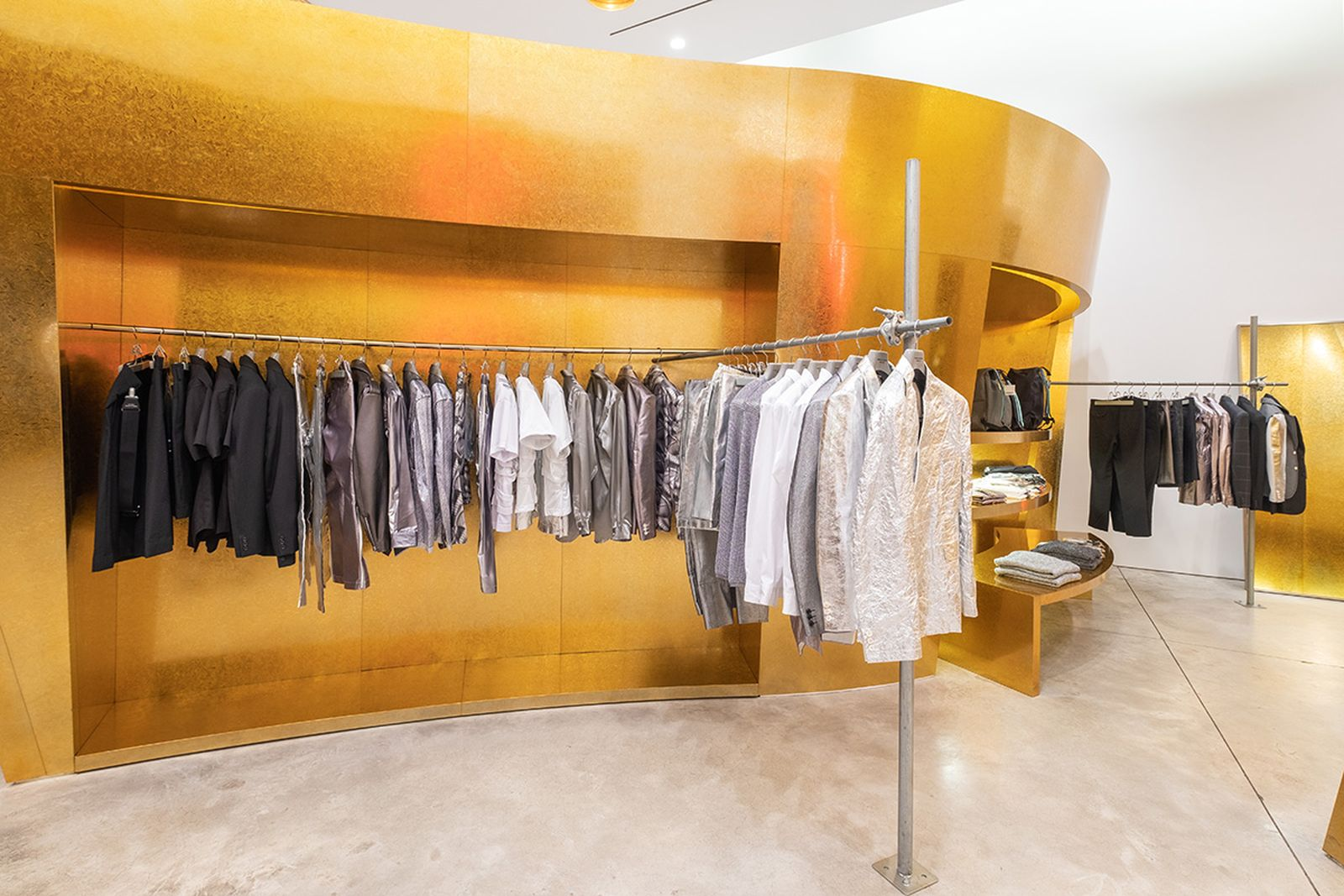 game-changers-best-store-interiors-changed-fashion-cdg-new-04