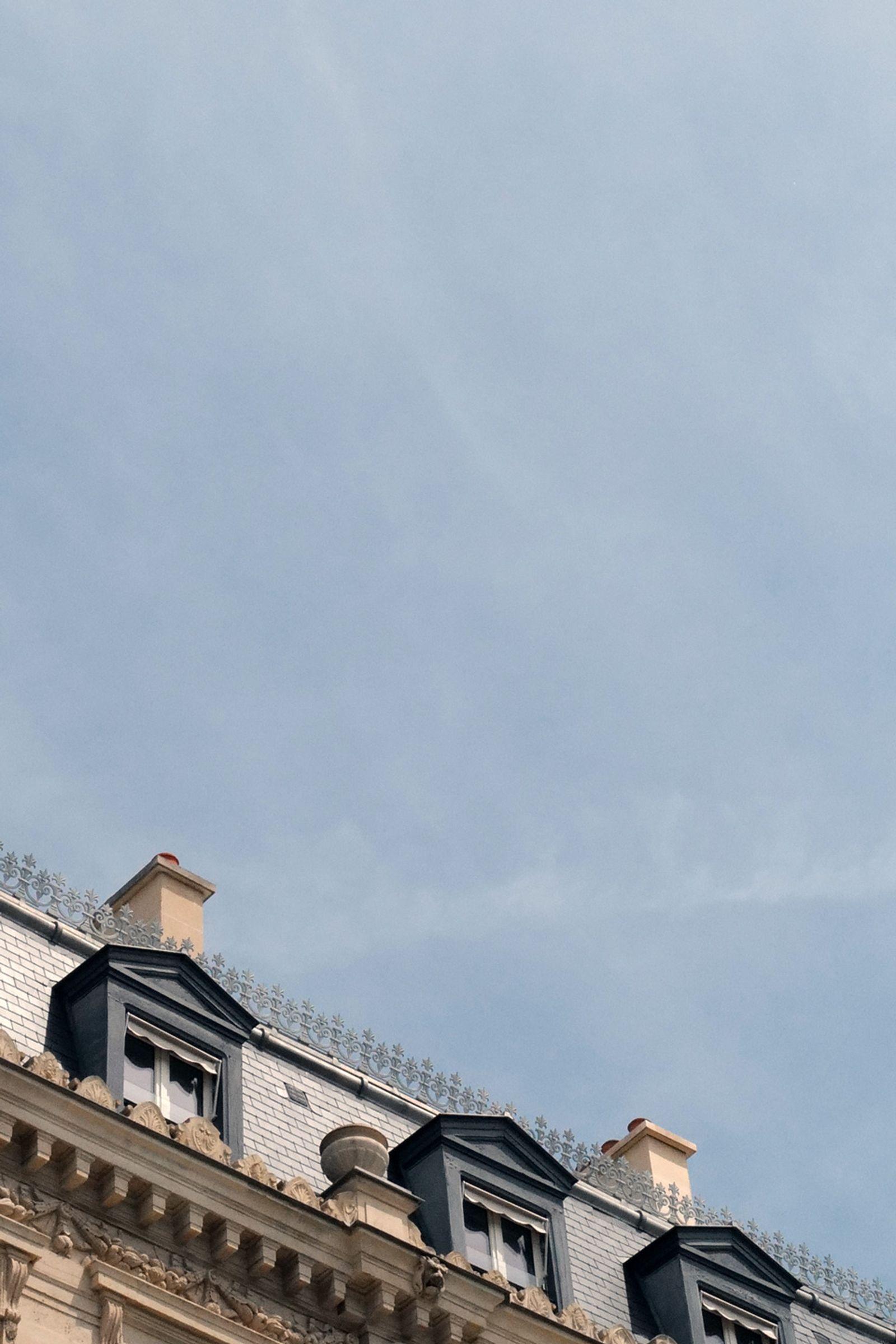J1070888 Leica Q2 paris fashion week