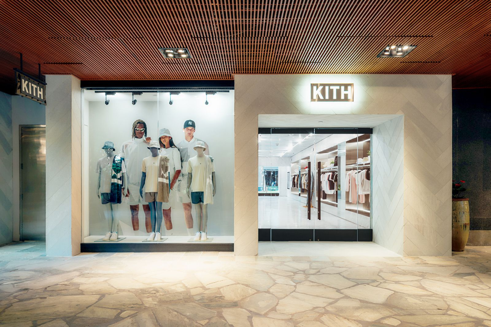 kith-hawaii-store-inside-air-force-1 (19)