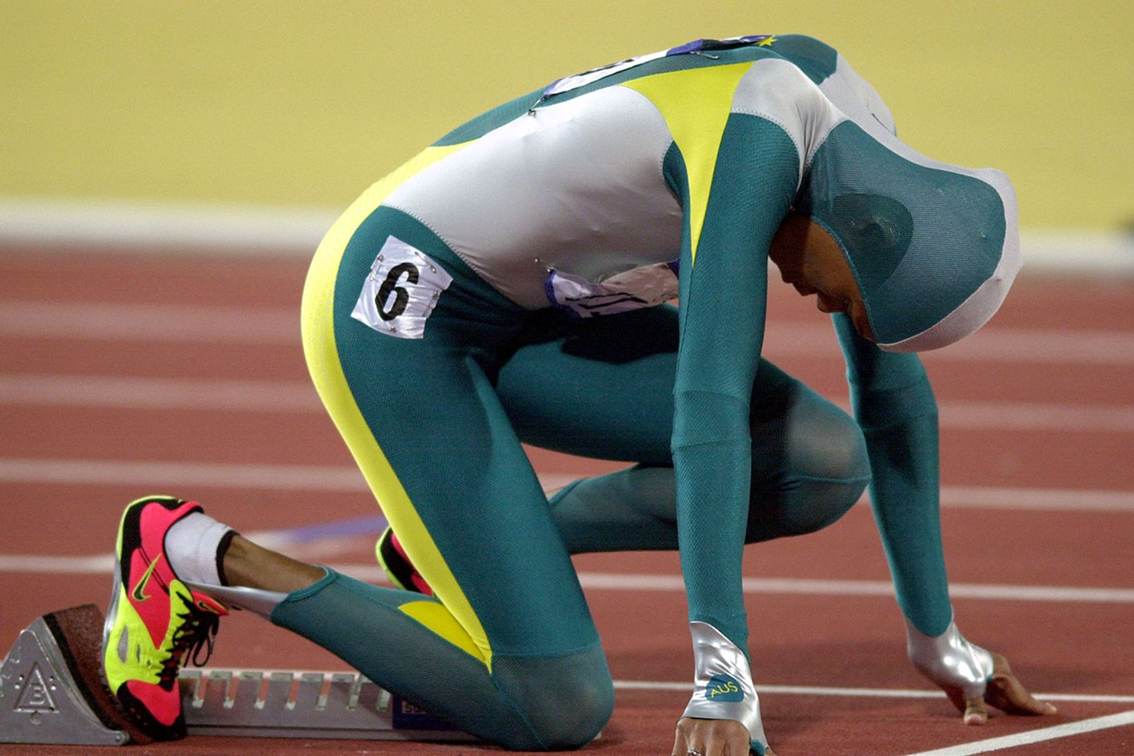 most-iconic-olympics-fashion-moments-11