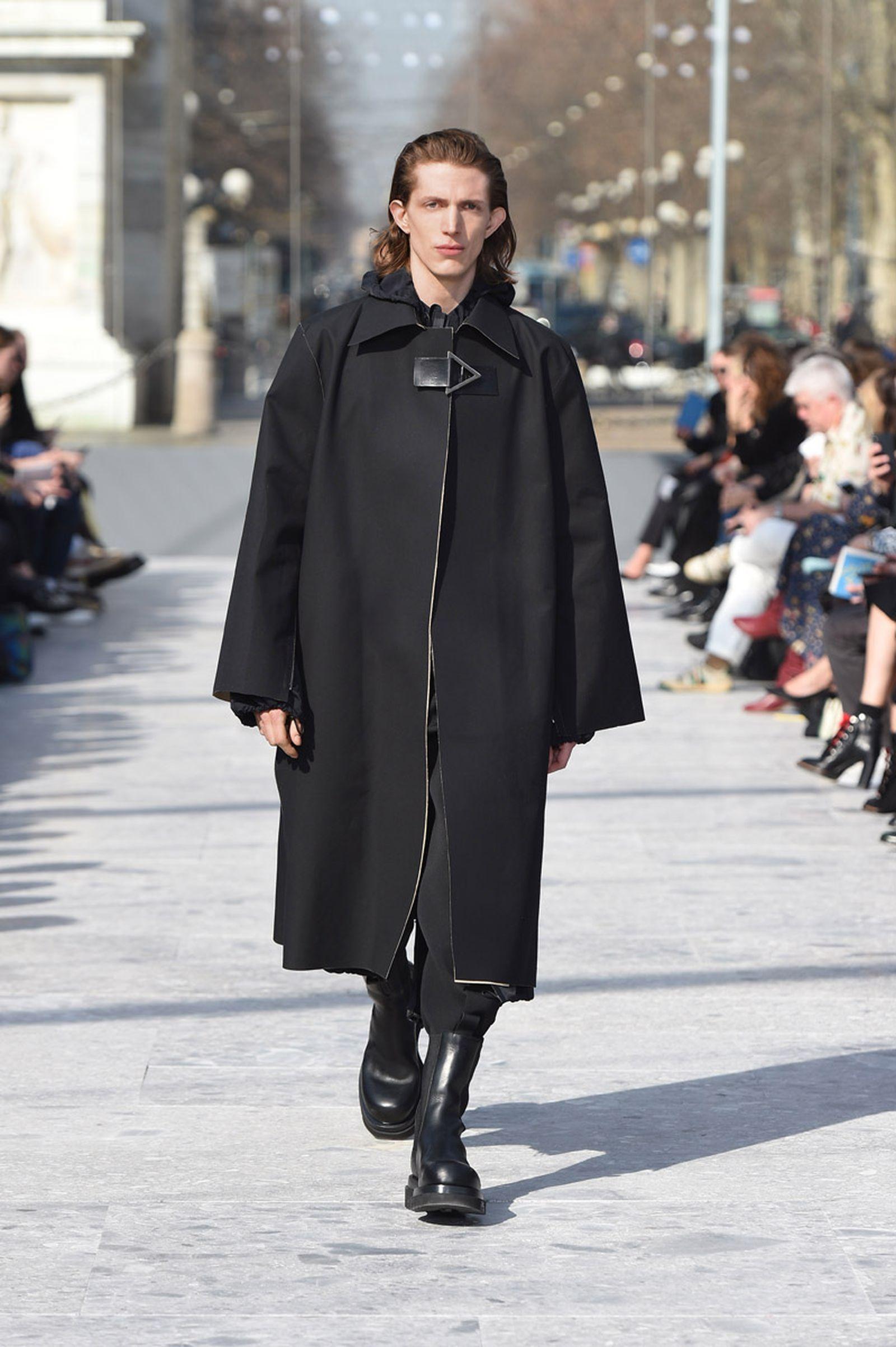 bottega-veneta-is-bringing-timeless-luxury-back-to-fashion-09