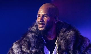 R. Kelly Charged With 10 Counts of Criminal Sexual Abuse in Chicago