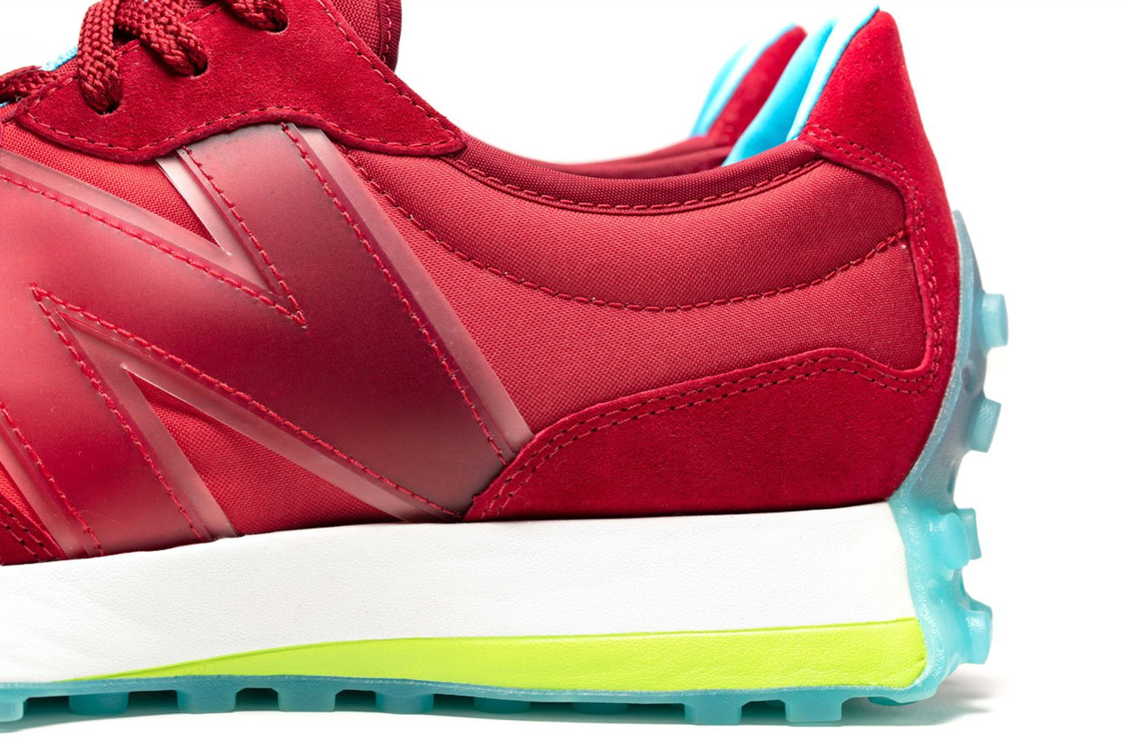 16new-balance-concepts-cranberry-product-shots
