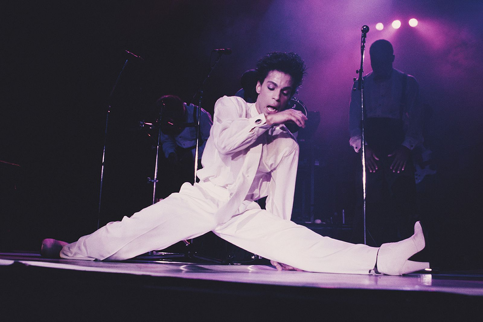 prince-shoe-collection-exhibition-01