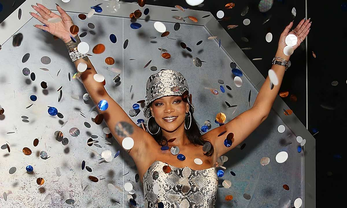 Peachy Heres What Went Down At Rihannas 32Nd Birthday Party Funny Birthday Cards Online Fluifree Goldxyz