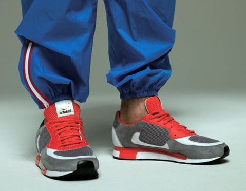 5fe5ce7eba31a Check out the second colorway of the adidas Originals by David Beckham ZX  800 DB after the jump.