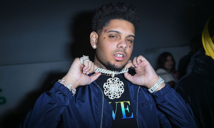 Smokepurpp holds up chain