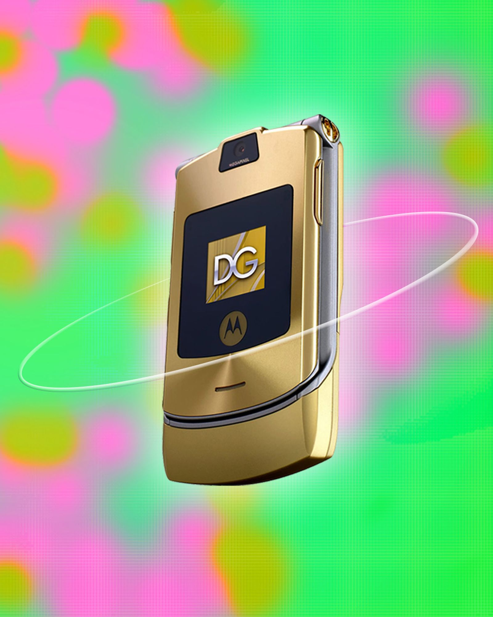 reviewing-fashion-phones-2000s-D&G