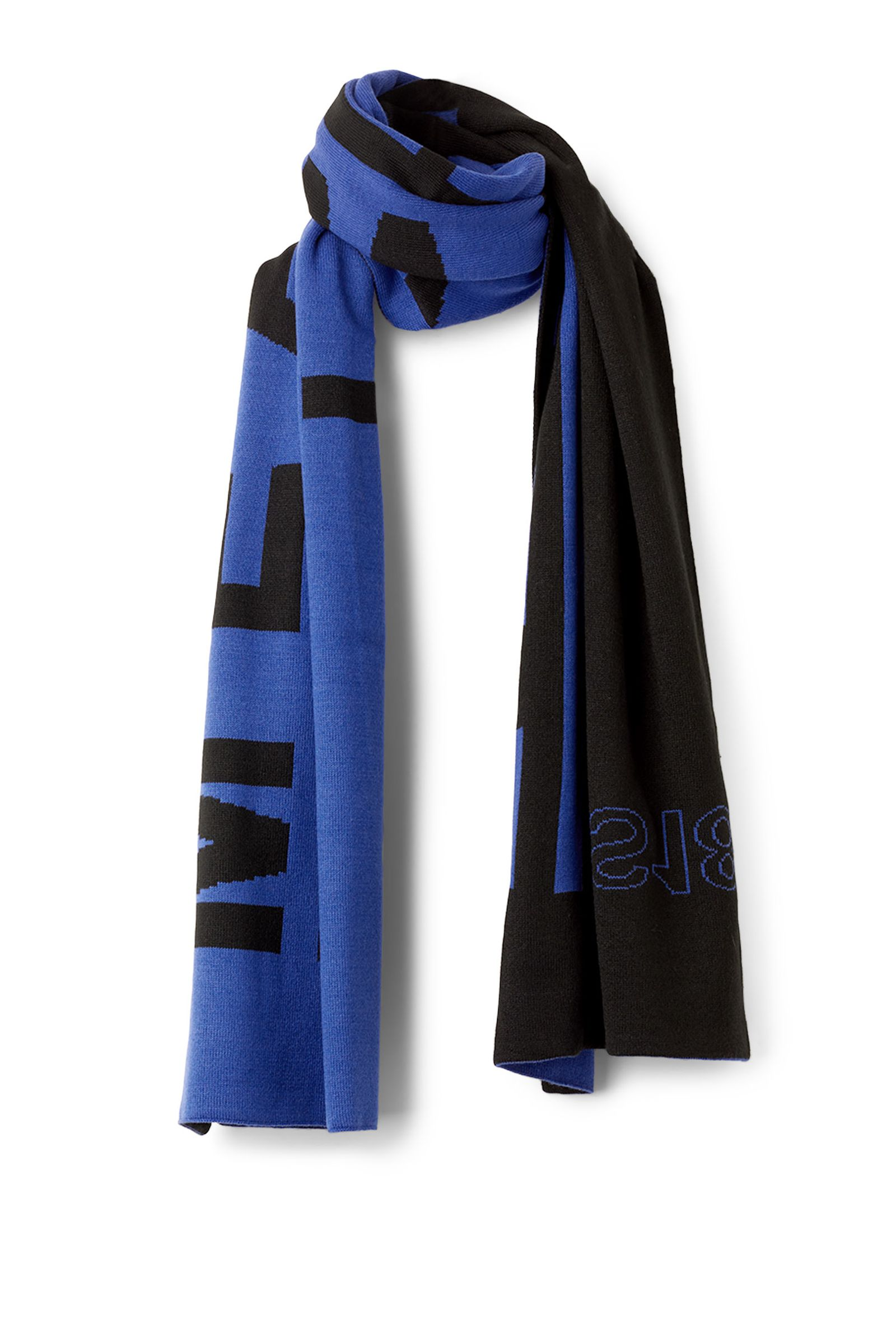weekday-winter-2017-collection-meridian-scarf-05