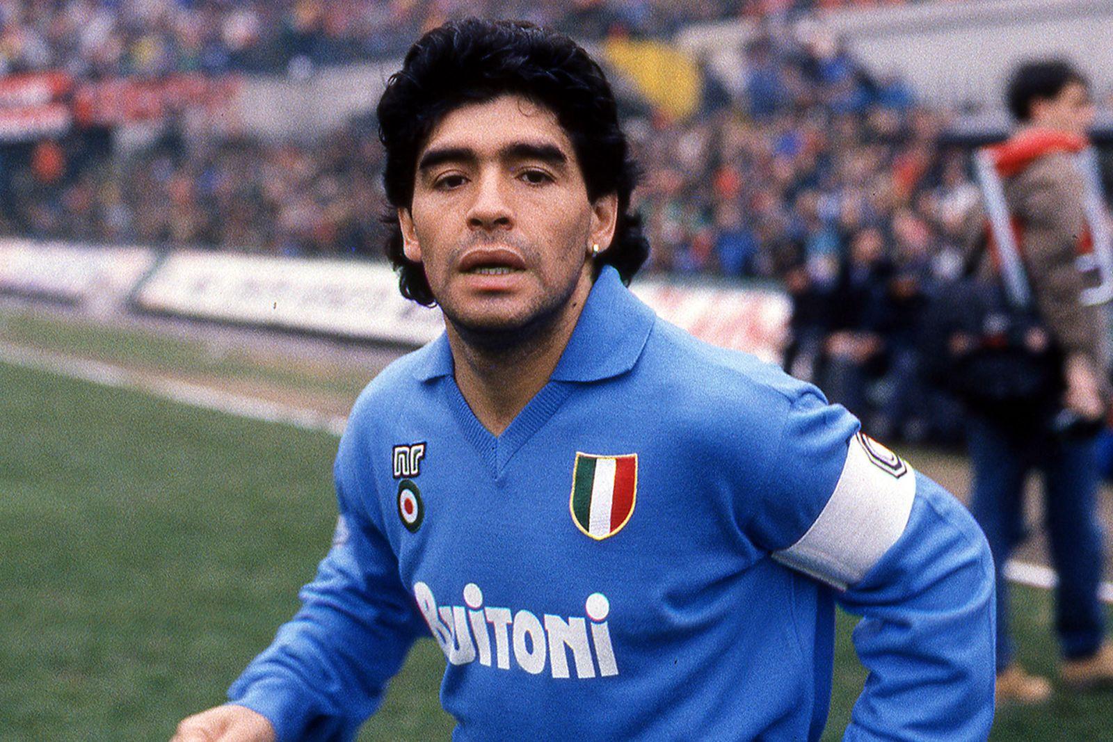 a-look-back-at-maradona-80s-02