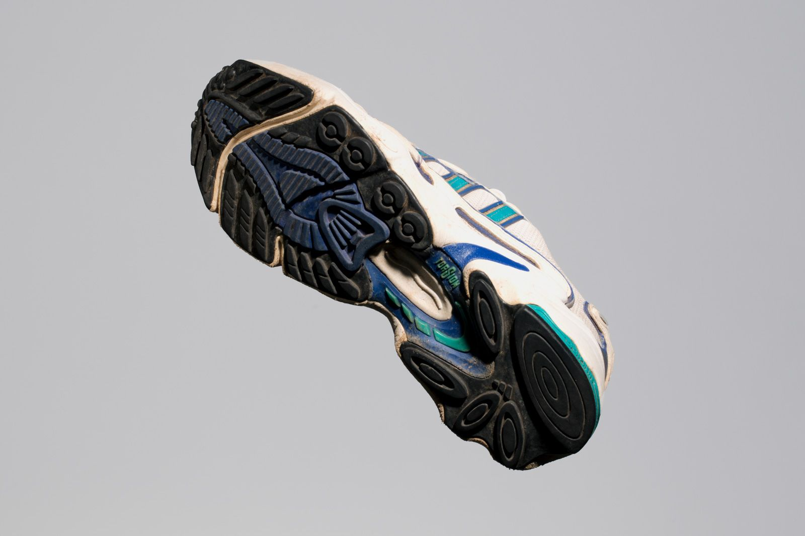 adidas-ozweego-geneology-13