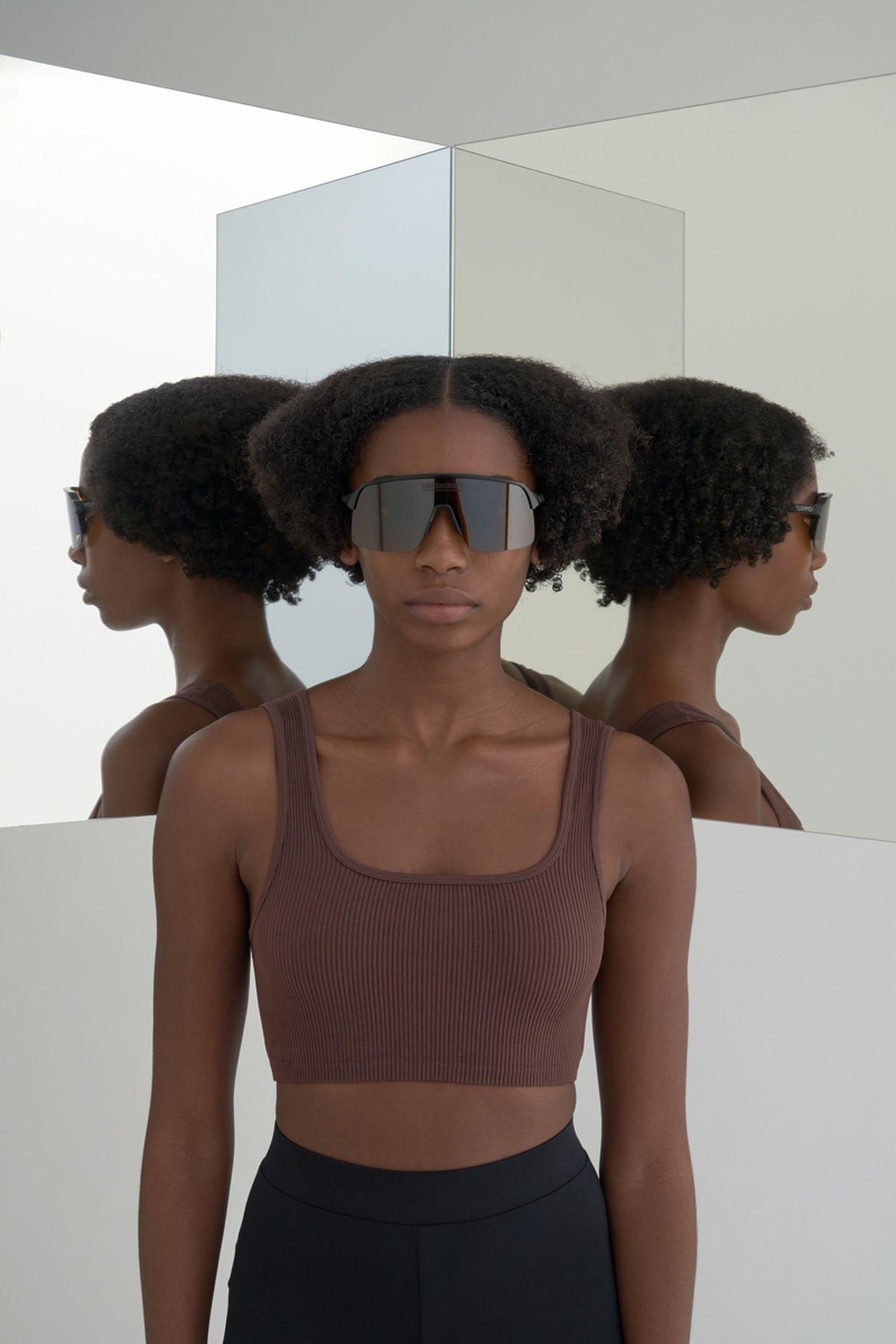 highsnobiety-oakley-sutro-lite-sunglasses-buy-02