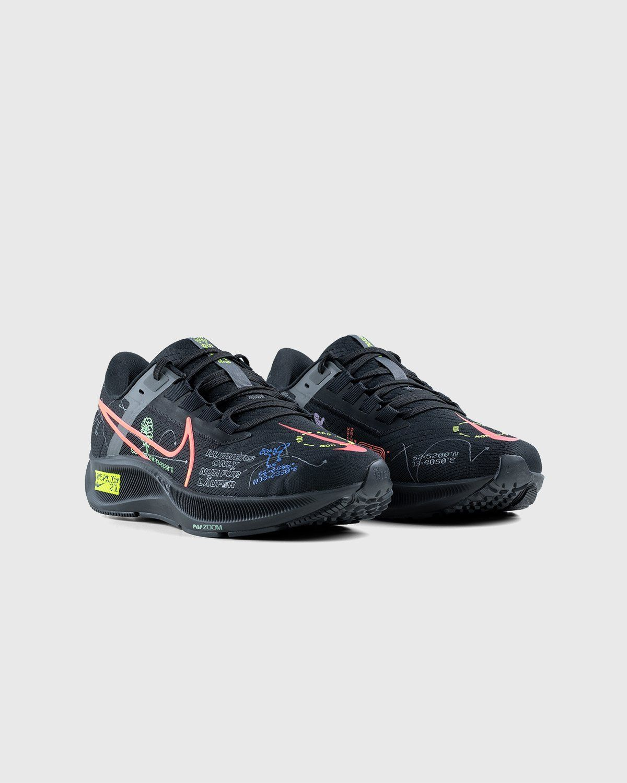 Nike x Highsnobiety – Air Zoom Berlin Pegasus 38 Black - Image 3