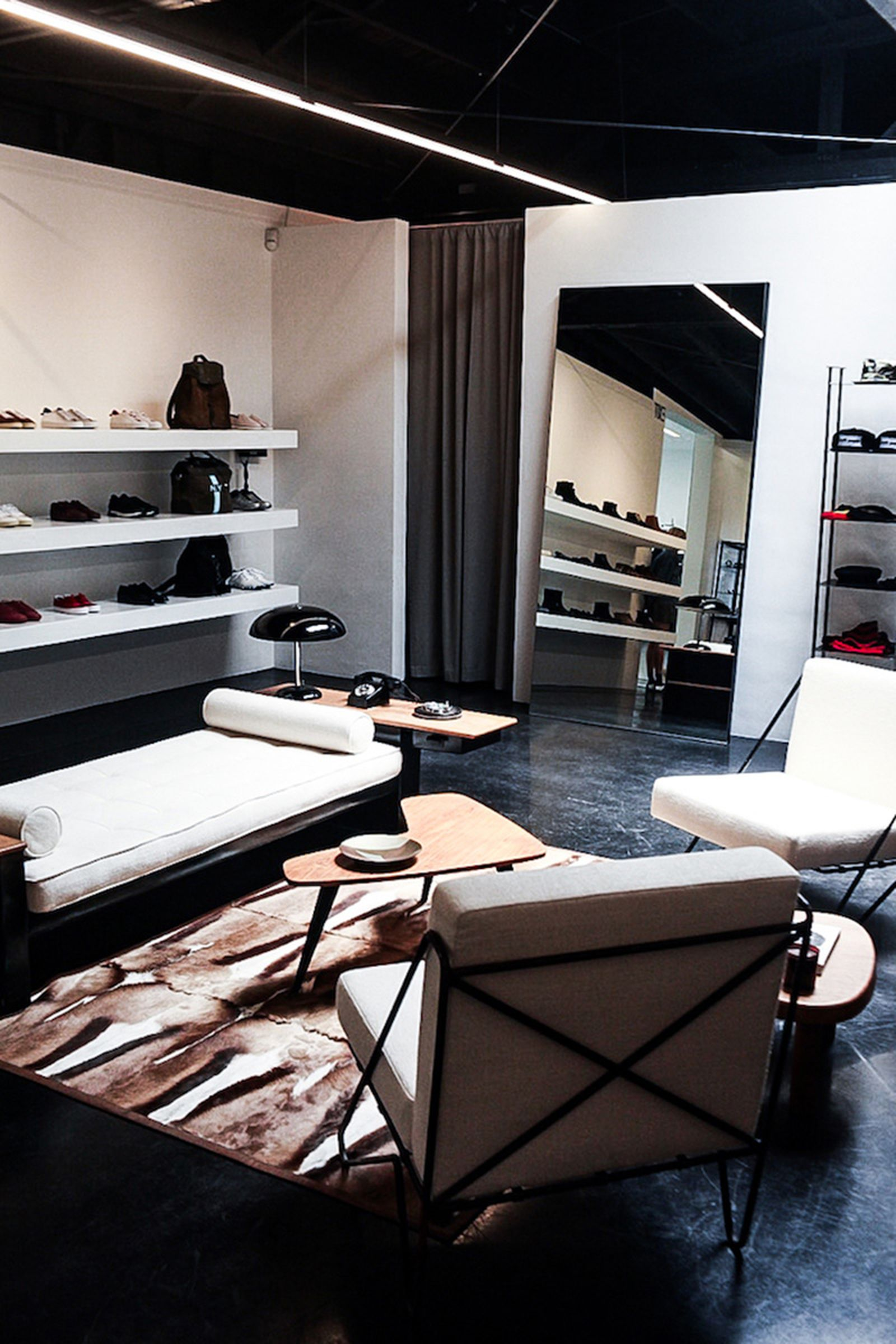 game-changers-best-store-interiors-changed-fashion-maxfield-la-01