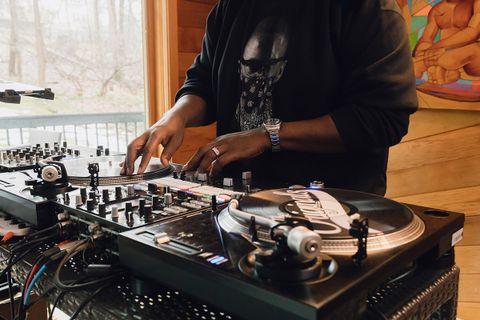 DJ Clark Kent Shares His Biggest eBay Sneaker Shopping Tips 23