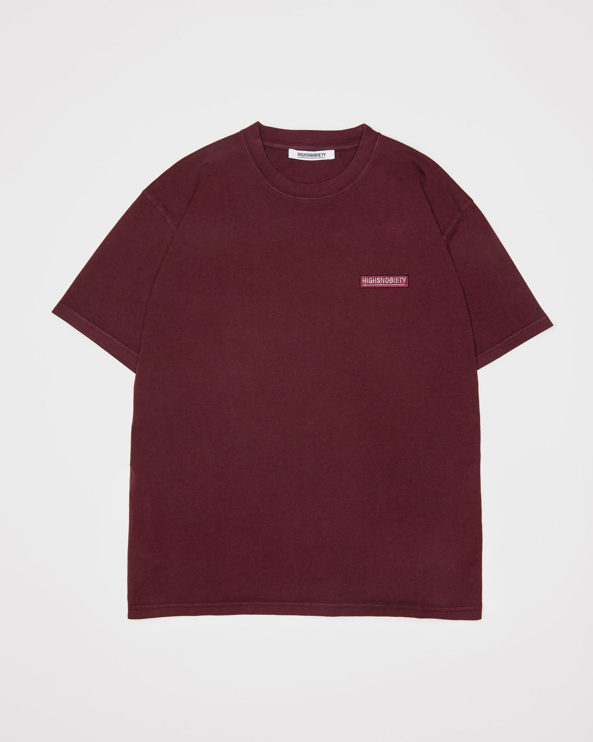Highsnobiety Staples — T-Shirt Burgundy - Image 1