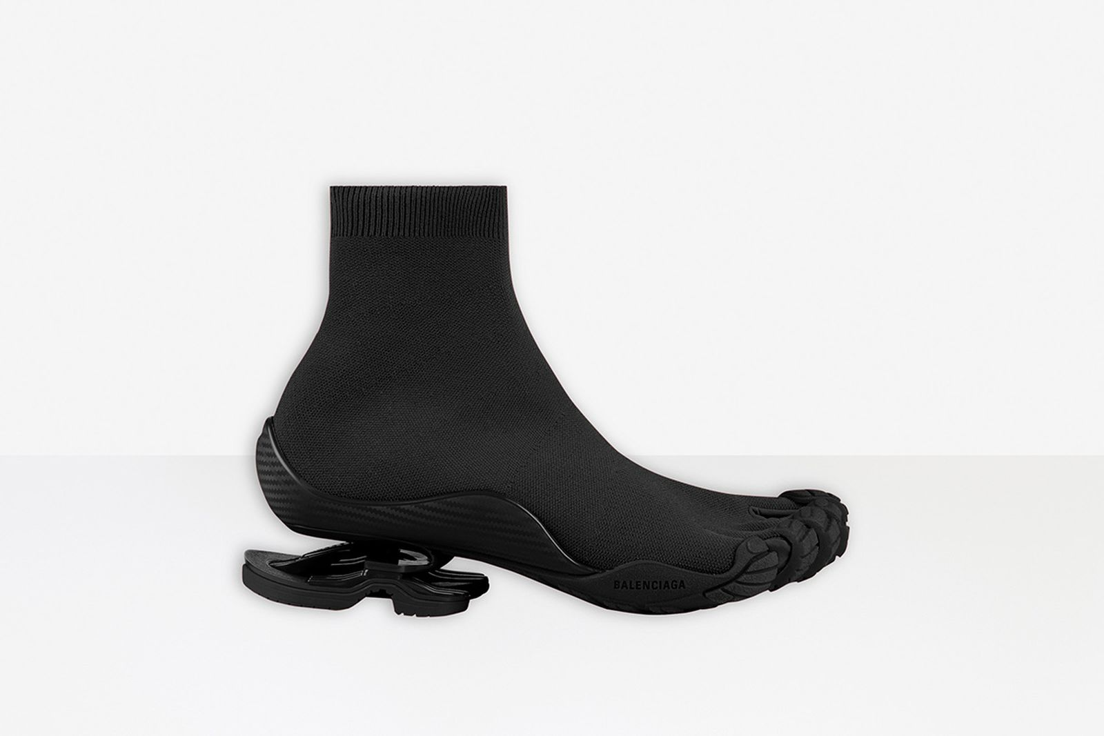 balenciagas-5-toed-vibram-sneaker-release-date-price-1-01