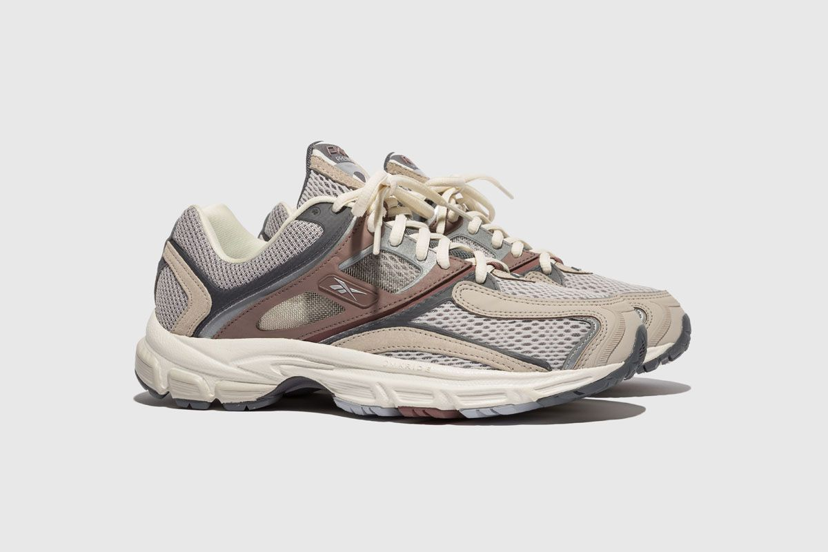 Packer's Reebok Trinity Premier Is Peak '00s Running Energy 3