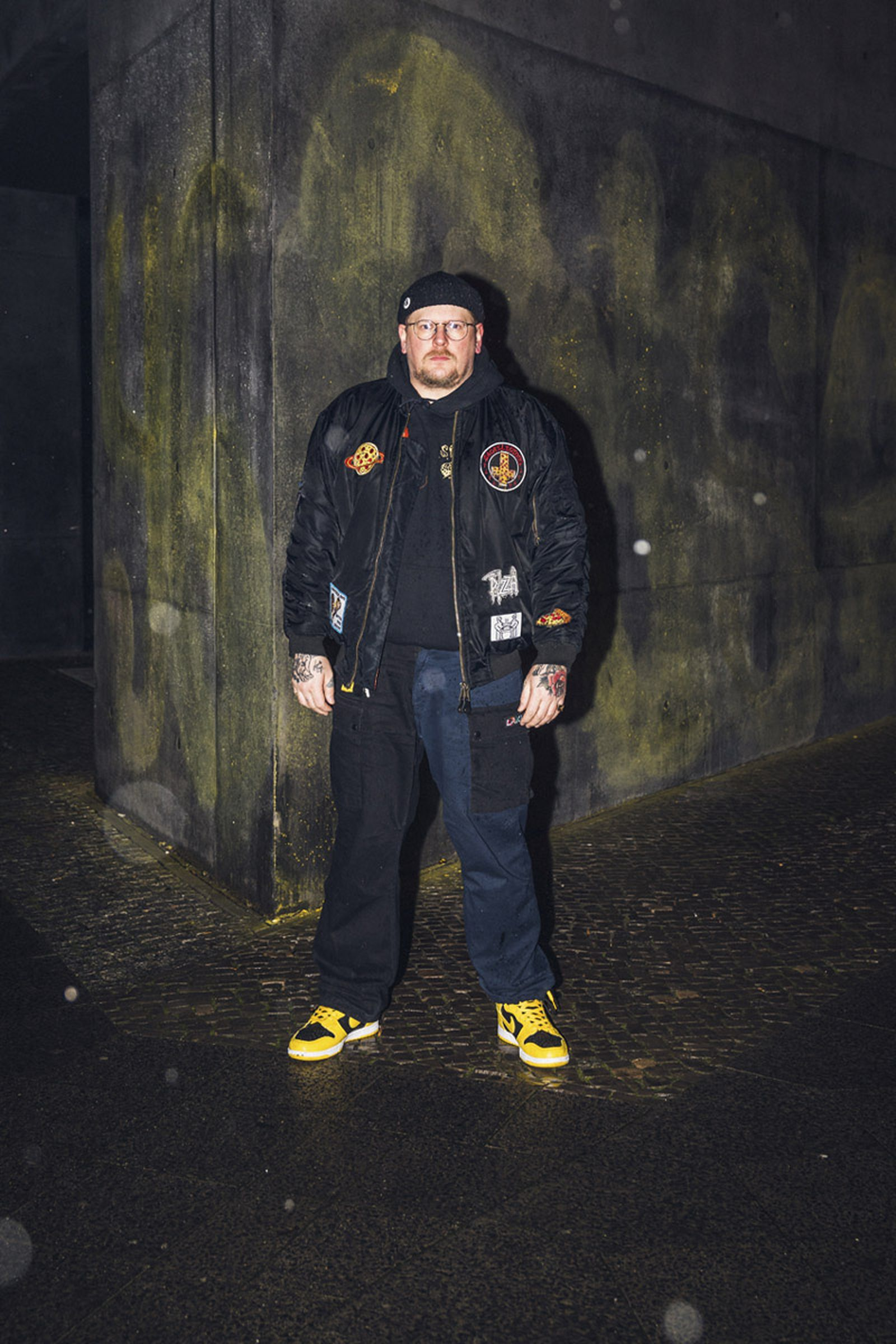 beinghunted-robert-smithson-not-in-paris-@dj_jns-800x1200