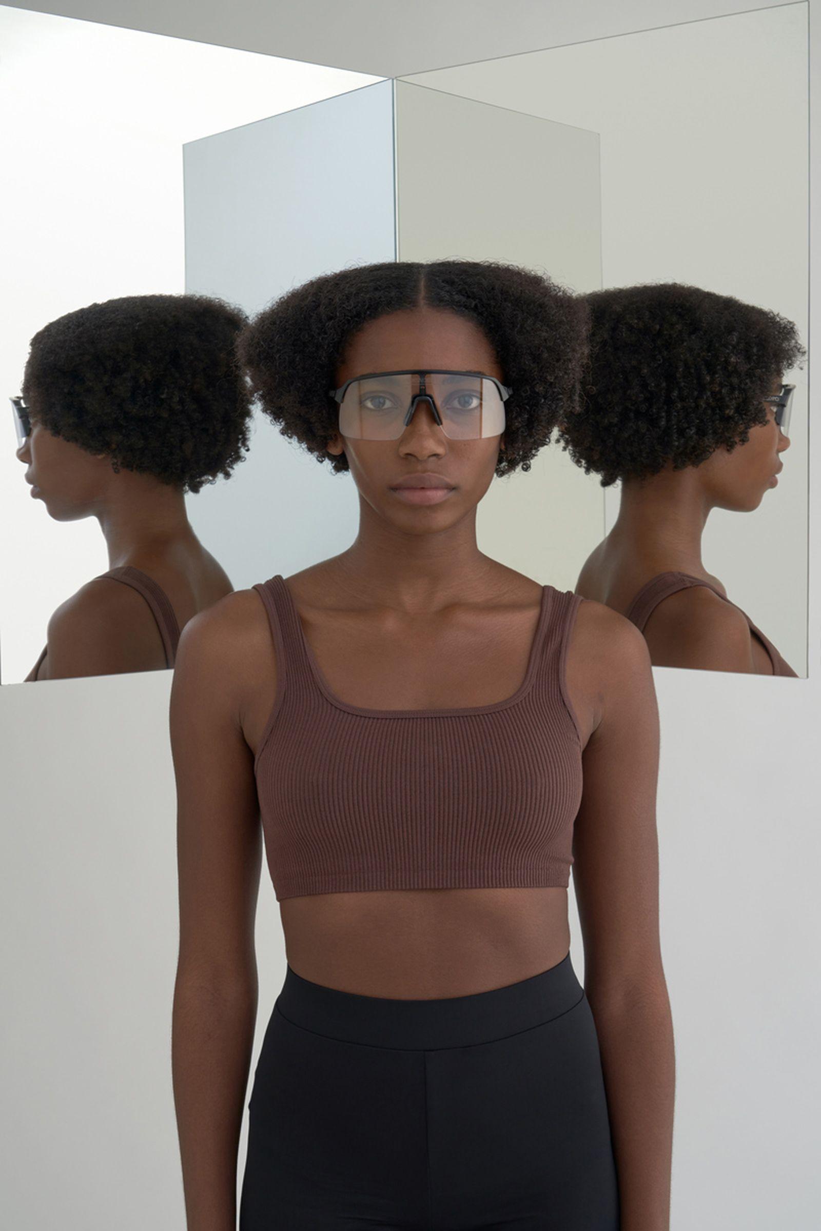 highsnobiety-oakley-sutro-lite-sunglasses-buy-01