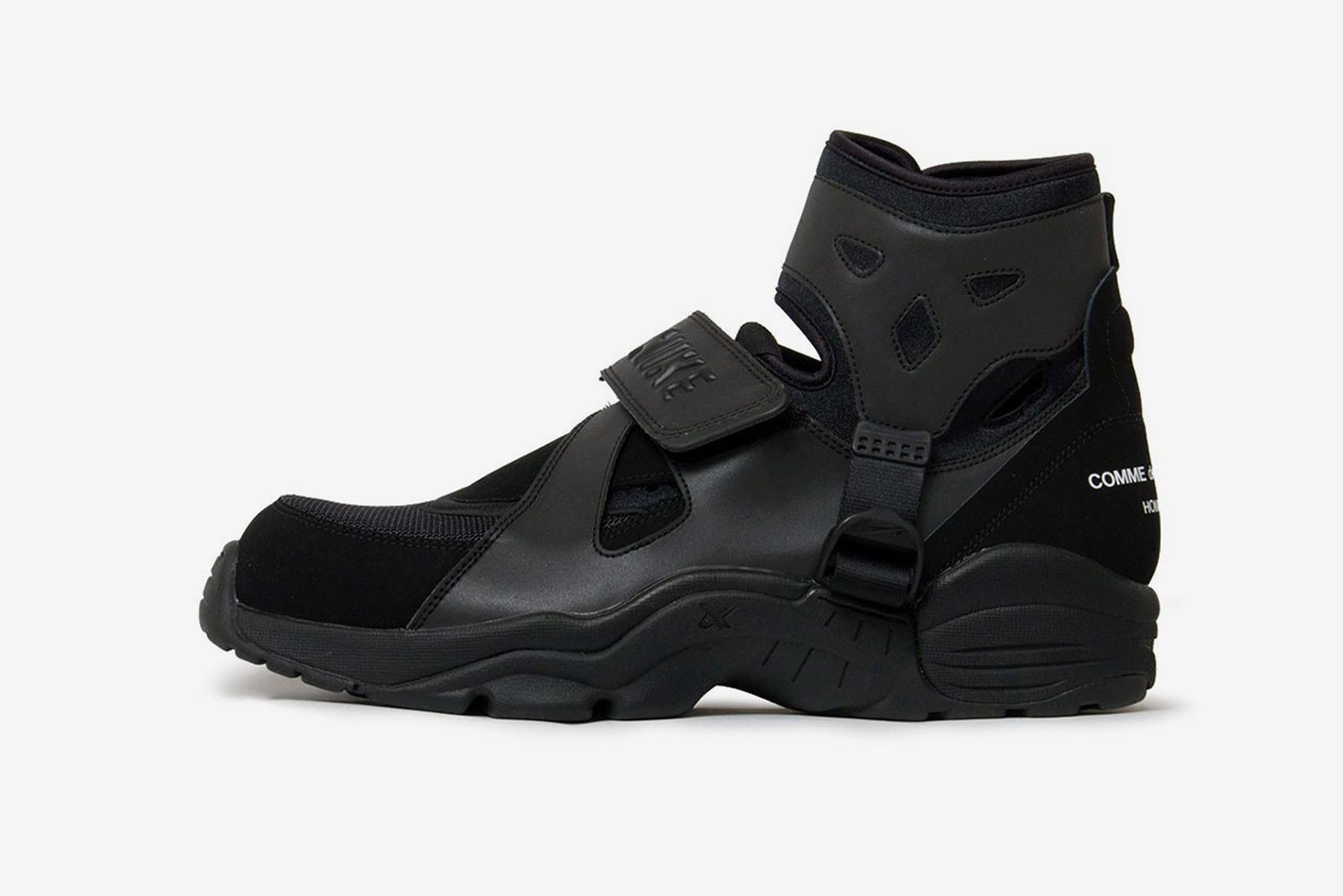 comme-des-garcons-homme-plus-nike-air-carnivore-release-date-price-01