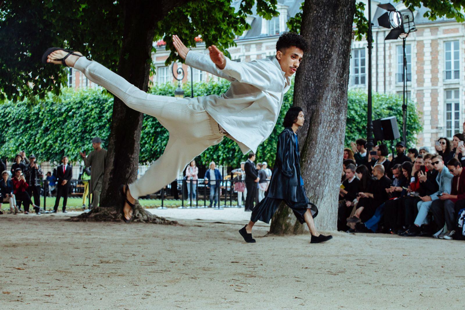 MSS20 Paris IsseyMiyake JulienTell ForWeb 07 Issey Miyake HOMME PLISSÉ paris fashion week runway