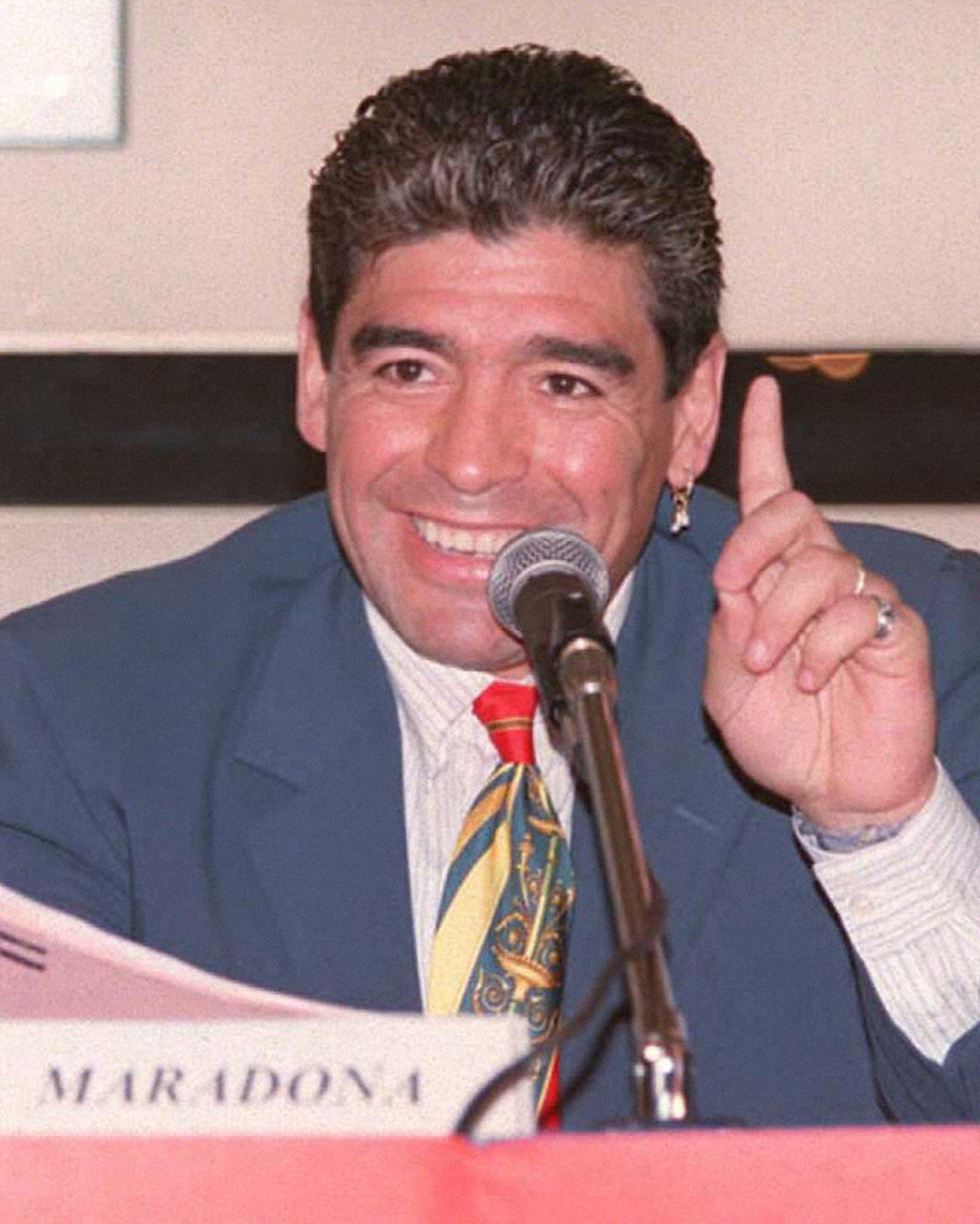 diego-maradona-best-fits-style-01
