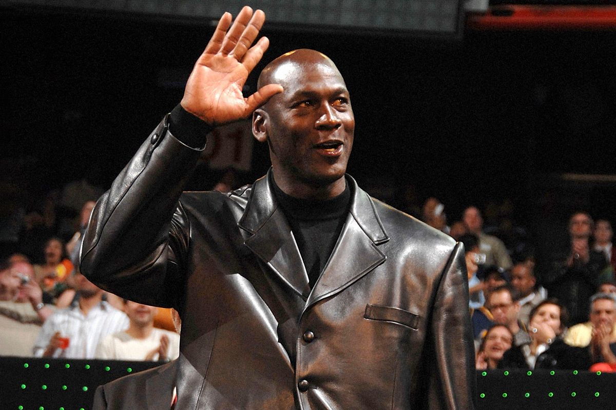 10 Looks That Prove Michael Jordan is the GOAT of IDGAF Style 1