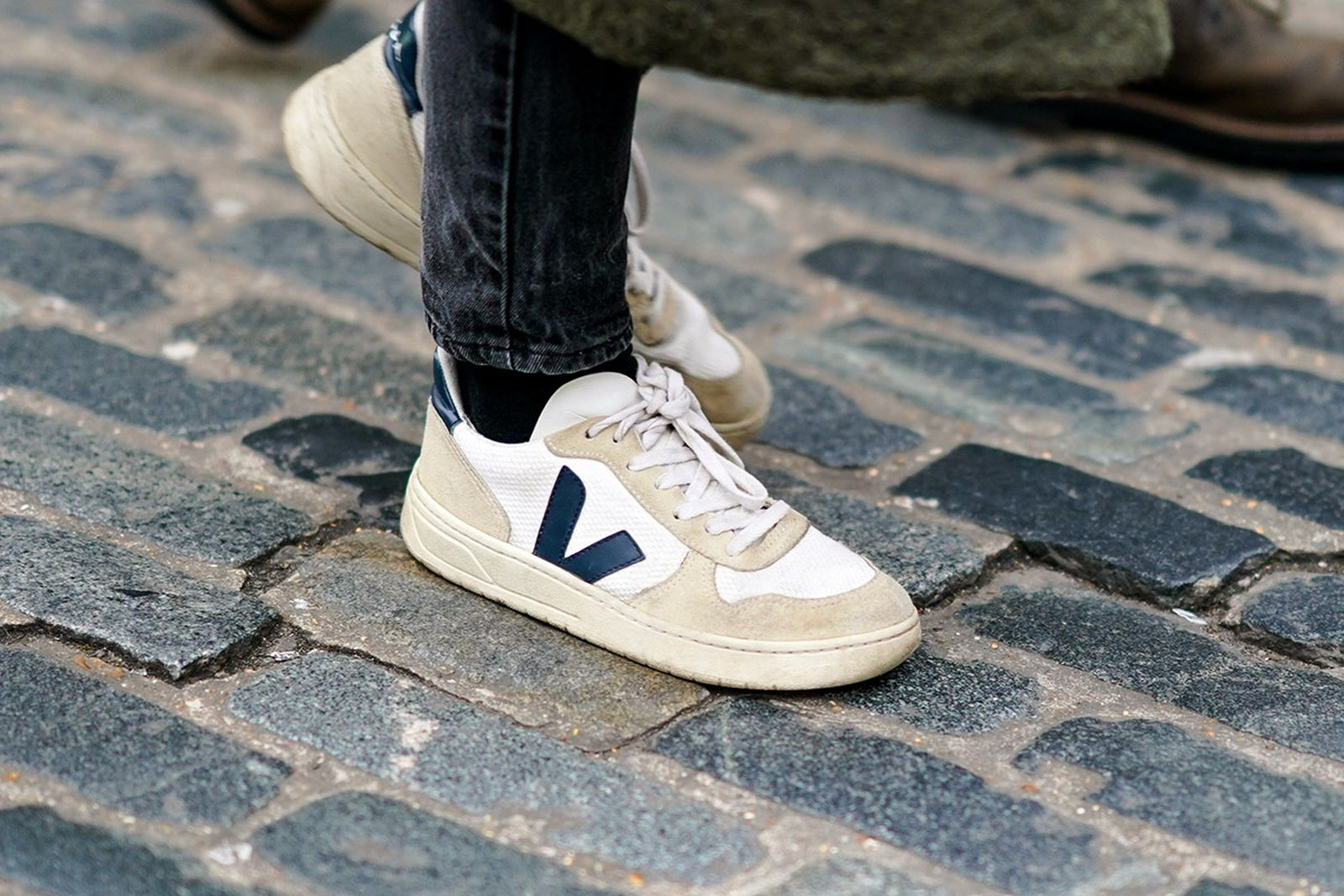 sustainable-sneaker-brands-main