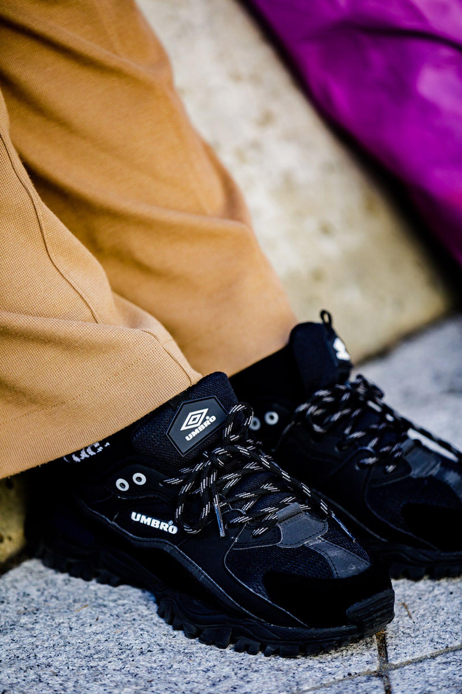sneaker street style seoul fw ss19 Seoul Fashion Week SS19