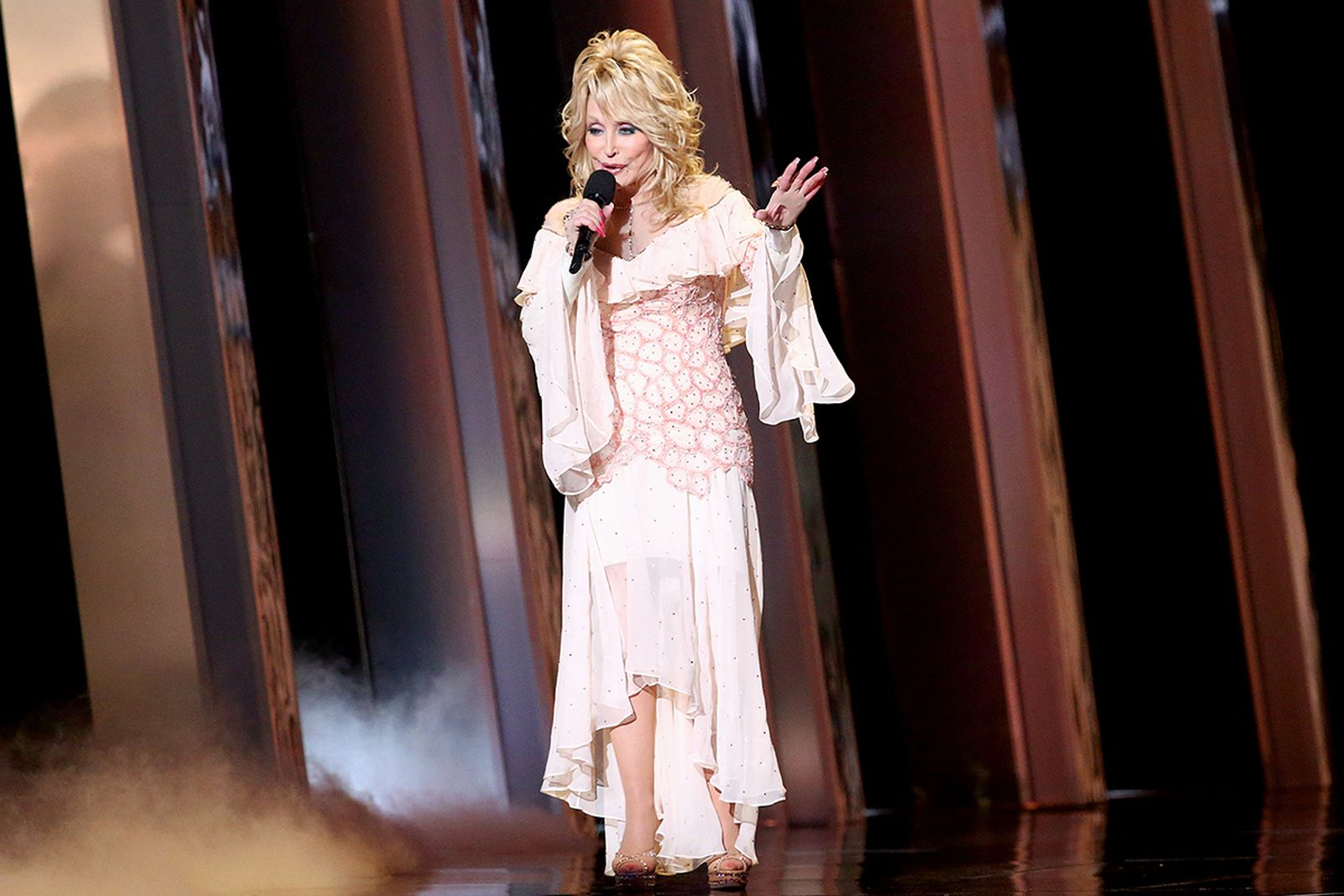 Dolly Parton on stage