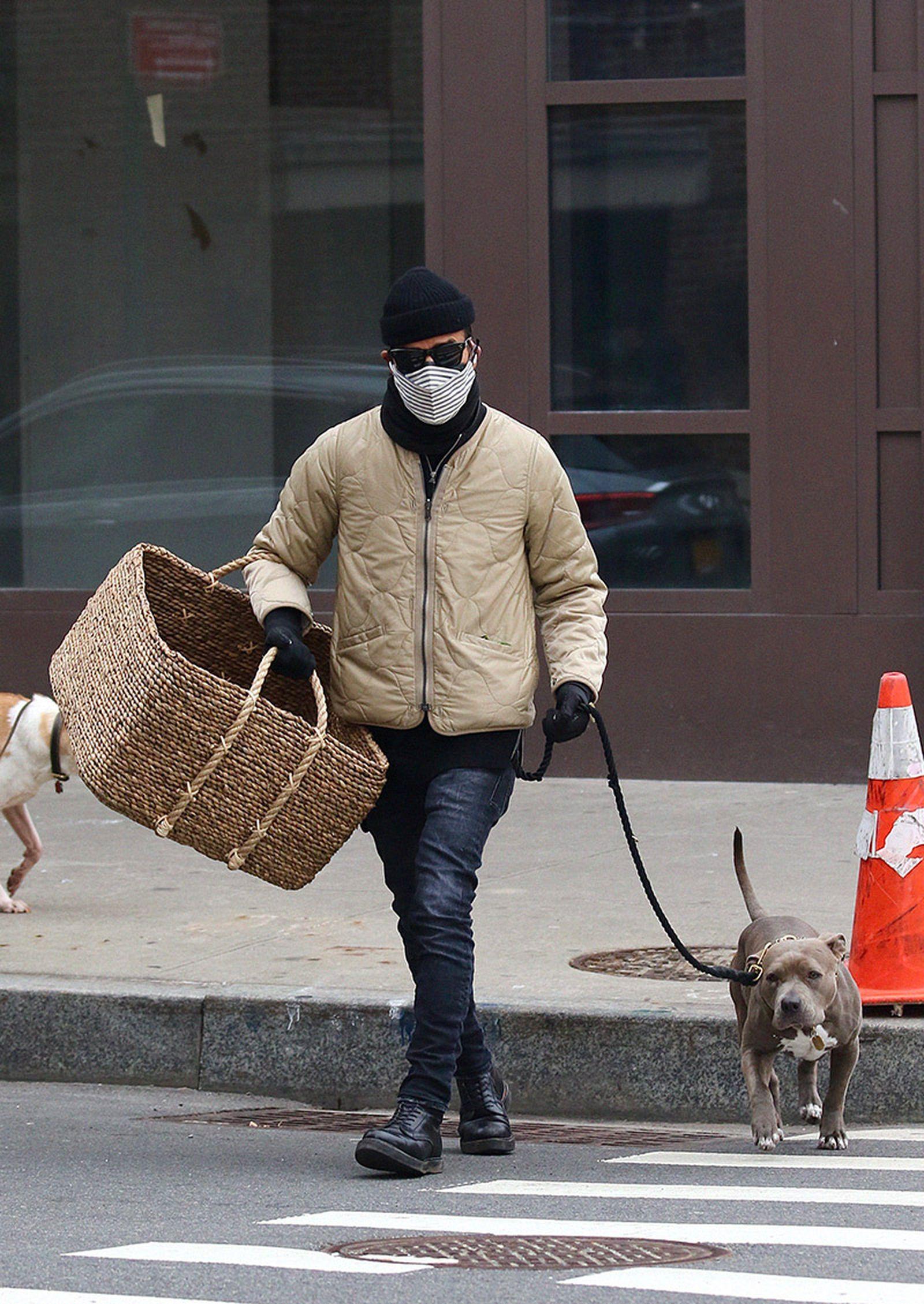 justin-theroux-dog-01
