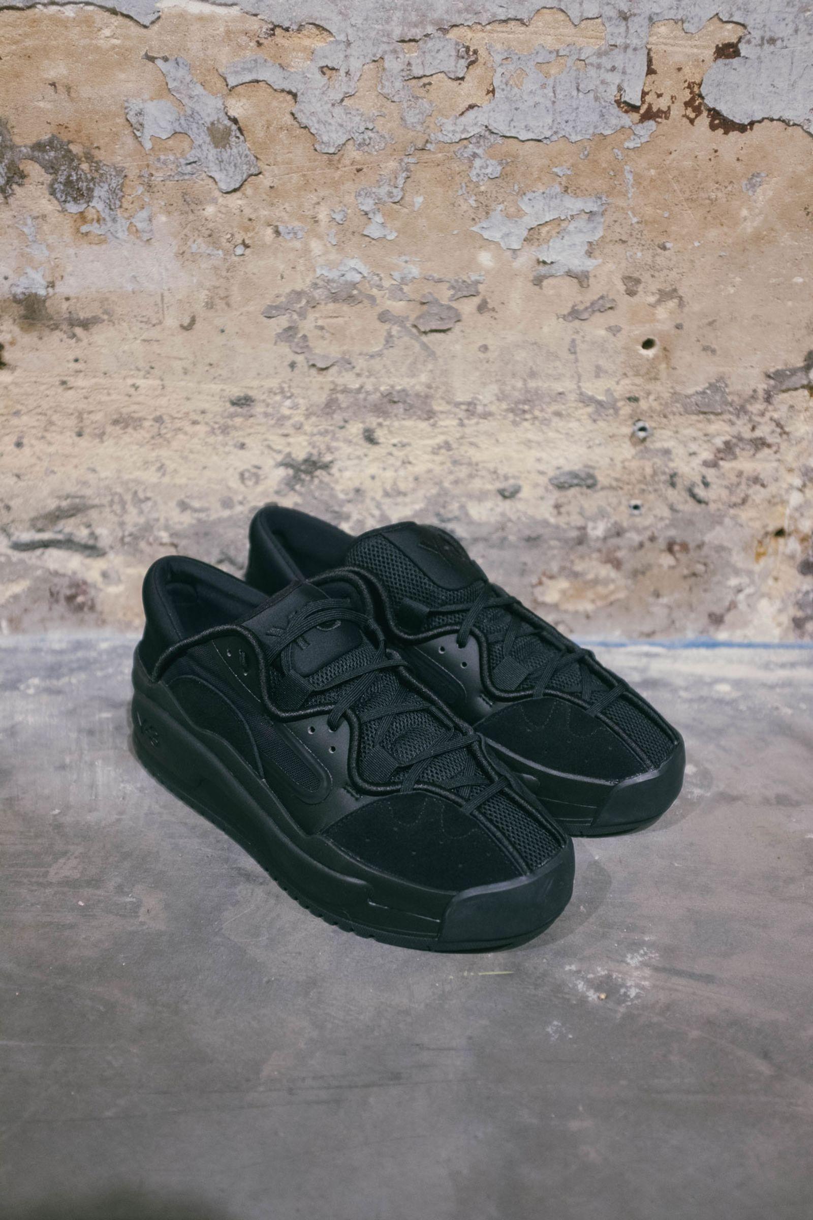 y-3-fw20-footwear-focus-9