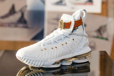 "big sale d2d20 c6243 Nike LeBron 16 ""Harlem's Fashion Row"": How & When To Buy It"